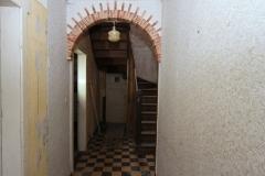 Flur im Erdgeschoss mit Blick zur Treppe