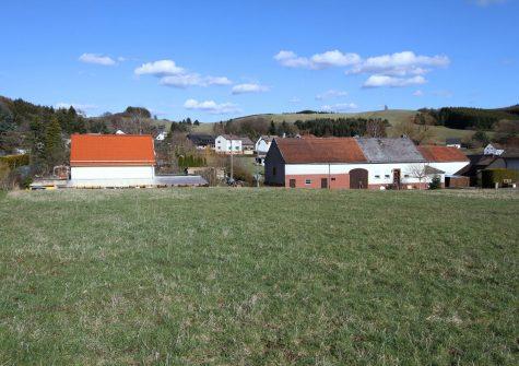 großes, idyllisch gelegenes Baugrundstück in sonniger Ortsrandlage in Wallenborn