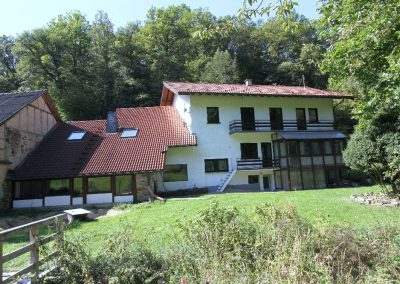 Nordost-Ansicht von Wohnhaus und Mühle