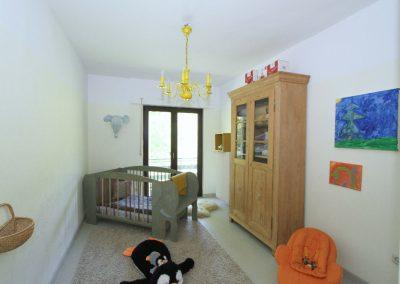 Schlafzimmer 1 mit Ausgang zum Balkon