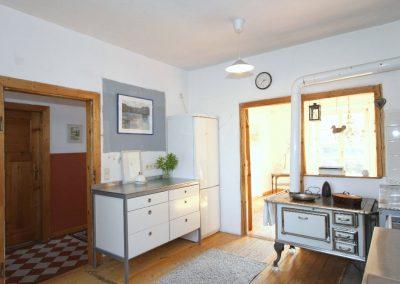 gemütliche Wohnküche mit Blick zum Esszimmer