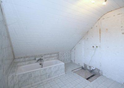 Bad im Dachgeschoss