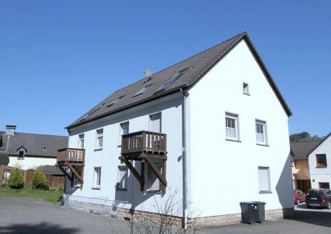 wohnliche und sehr gepflegte Eigentumswohnung mit Balkon und Garage in Gerolstein