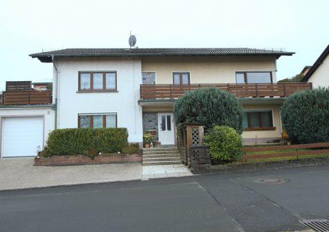 sehr gepflegtes Wohnhaus mit 3 hellen Wohnungen und Garage attraktiver Lage in Hillesheim