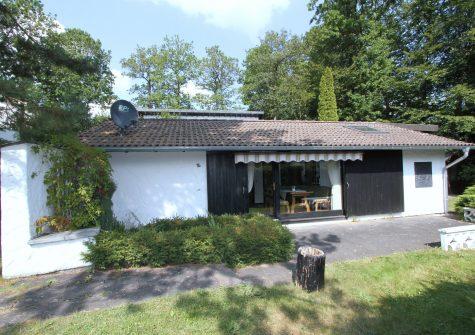behagliches Ferienhaus im Grünen mit sonniger Terrasse und kleinem Garten in ruhiger Lage