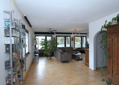 geräumiges Wohn-/Esszimmer im Obergeschoss