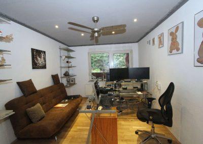Büro (frühere Küche) im Obergeschoss