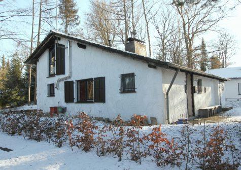 ruhig gelegenes, sehr charmantes Ferienhaus in einem landschaftlich reizvollen Wohngebiet