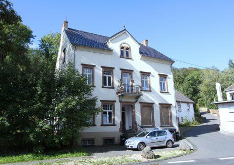 interessante Wohnanlage mit 5 Eigentumswohnungen und 2 Gewerbeeinheiten in Jünkerath
