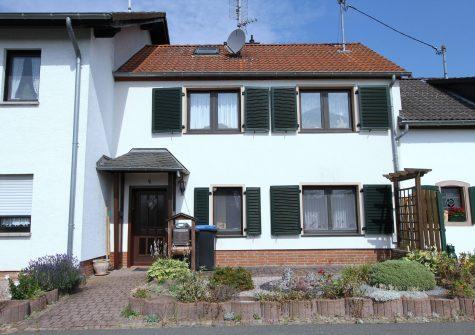 sehr gemütliches Häuschen mit kleinem Vorgarten in naturnaher Lage in Büscheich