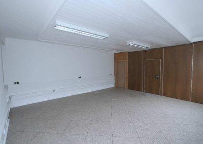 Schulungsraum HOLZBAU mit Fahrwand zum Schulungsraum METALL